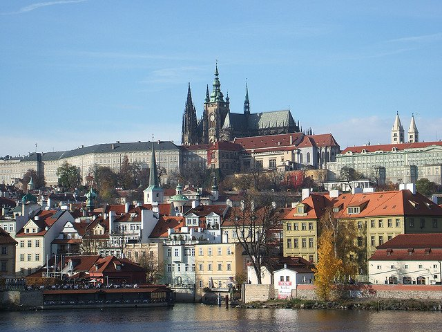 Castello di Praga veduta dal basso per prepararsi a Praga bene